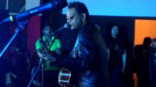 Annie's Song Bangla Cover by Bassbaba @ Nonta Biscuit album launching