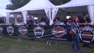 Harley brothers festival 2013  ТУсовка вечера, общий вид.