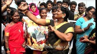Womens' Jallikattu protest at Chennai's Marina beach begins with a Tamil dance