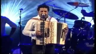 Cheb Khaled - Yamina (Festival Toulouse 2009).flv