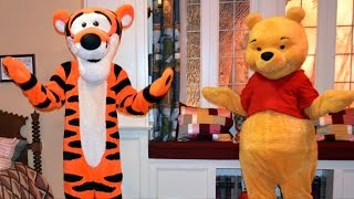 Winnie the Pooh and Tigger in Christopher Robin