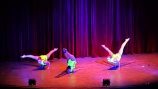 Trio Acro Show 2015
