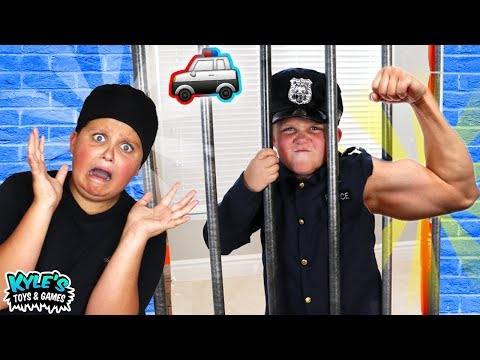 🚓 KID COP VS ROBBERS SUPER STRENGTH Pretend Play Cops and Robbers Game for Kids