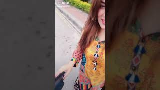 Hotie girl big boobs Pakistani girl dance by doubld meaning dailoges by tik tok