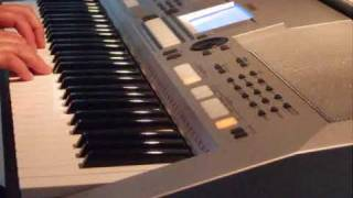 Christmas tunes on Yamaha psr-S550