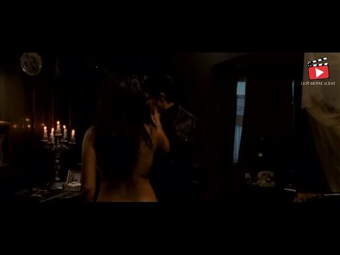 7 Khoon Maaf - Priyanka Chopra getting naked