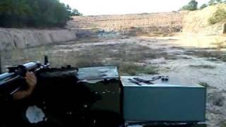 bắn AK-47 ở trường bắn Củ Chi