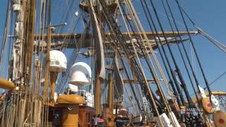 L'apertura delle vele di nave Vespucci
