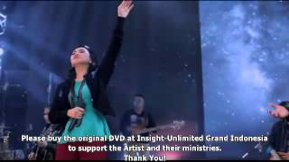11. True Worshippers (One) - Holy Is Our God