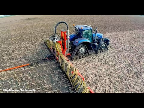 New Holland T7.270 Blue Power on Soucy Tracks Injecting slurry w umbilical system LB Breure