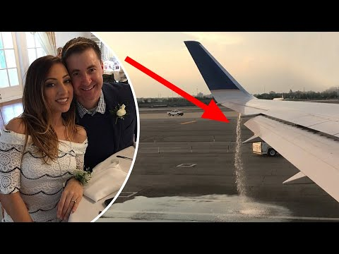 Xxx Mp4 Honeymooners Spot United Airlines Plane Leaking Mom Forced To Hold Son Entire Flight Compilation 3gp Sex
