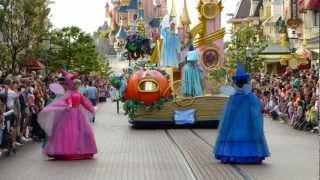 DisneyLand Paris 2012 - la parata dei personaggi Disney