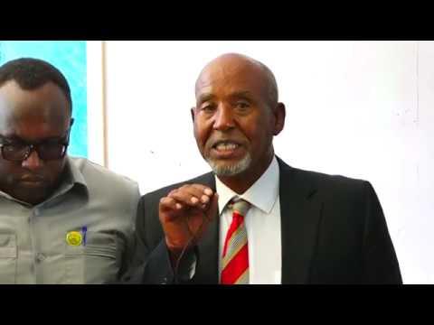 Xxx Mp4 Wasiirka Waxbarashada Somaliland Oo Khudbad Ka Jeediyay Xaflada Kuuliyada Tababarka Macalimiinta 3gp Sex