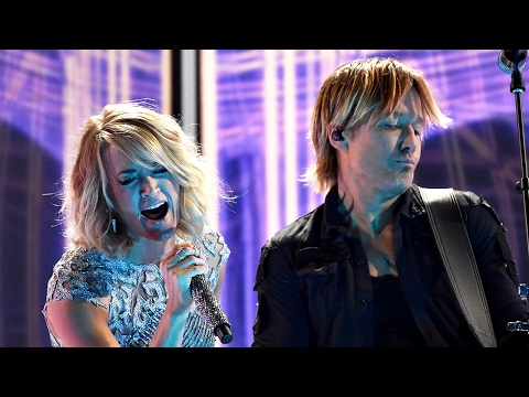 """Carrie Underwood & Keith Urban NAIL """"The Fighter"""" Duet At 2017 Grammy Awards"""
