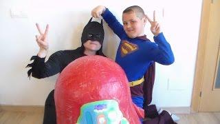 HUEVO SORPRESA GIGANTE DE PEPPA PIG Y MICKEY MOUSE.SUPERMAN VERSUS BATMAN.