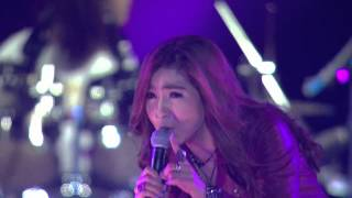 Chit Thu Wai Live in Myanmar: Mee Eain Kabyar (Lamp Song)