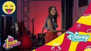 Soy Luna 2 - Hula Hoop Challenge: Karol Sevilla    Disney Channel Oficial
