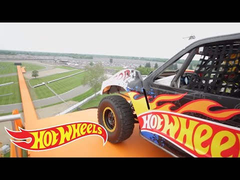 Xxx Mp4 Team Hot Wheels The Yellow Driver S World Record Jump Tanner Foust Hot Wheels 3gp Sex