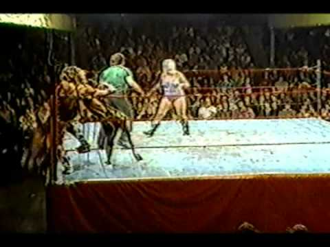 Wendi Richter & Joyce Grable vs Princess Victoria & Sabrina Part 2