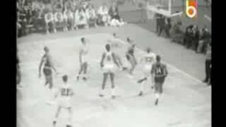 Classic Confrontations: Wilt Chamberlain vs Bill Russell