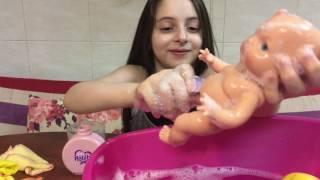 اخدنا بيبي حبيبي للحمام ونظفناه بالصابون مع الفقاعات  - العاب بنات !! || !!Baby Habibi In The Bath