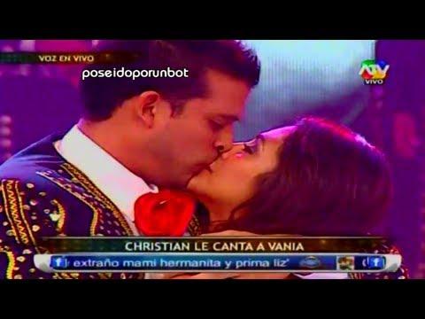 COMBATE CHRISTIAN DOMINGUEZ SORPRENDE A VANIA CON MARIACHIS POR SAN VALENTIN 14 02 13