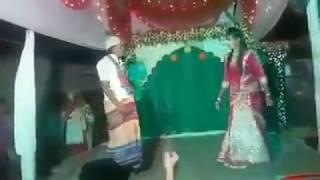 যুবতি মেয়ে নাছ দেখে চাচা কি পাগলামি করে দেখেন / Most popular Bangla dance video 2017