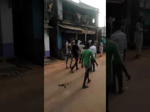 Muslims attacked by........ in Telnipara WB
