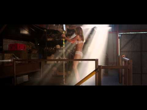 We're the Millers - Stripping Scene