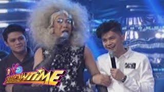 It's Showtime Cash-Ya: Vhong Navarro pokes fun at Vice Ganda's look