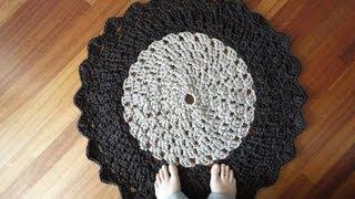 T-shirt Yarn Crocheted Rug Tutorial (Part 1)