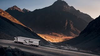 Volvo Trucks - Driving through the deadly Chilean mountain pass Los Caracoles - Drivers World (E06)