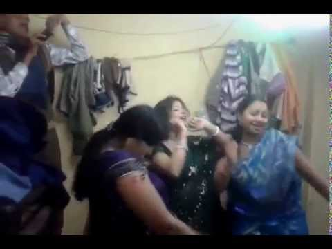 Hot Indian Tamil Aunties Hottest Masala Dance in Nagin Style