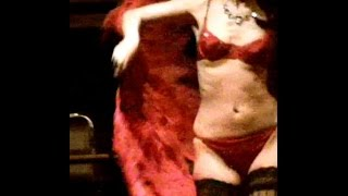 Bianca Performs Burlesque At Life Drawing Class In Bethnal Green.
