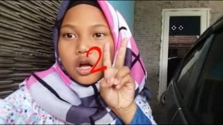Pertama nge vlog pakek jilbab