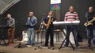 GIPSY KUBO A MILAN DANČO.-začátek romské zábavy V BEROUNĚ -2014