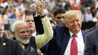"""Trump hosts Indian prime minister at """"Howdy Modi!"""" rally in Texas"""