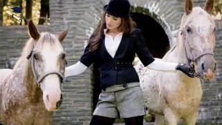A girl and a horse funny images - একটি ঘোড়া এবং অনেক মেয়ের ছবি।