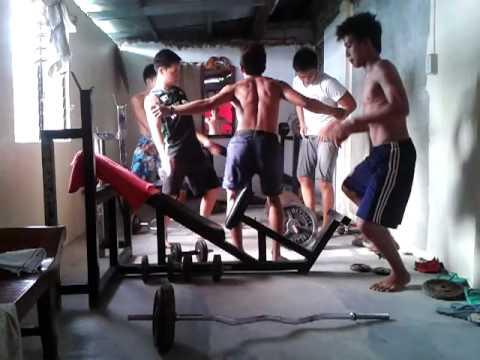 nagkagulo sa gym