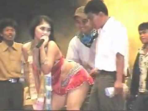 Mela Barbie Hello Dangdut