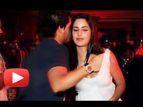 Siddharth Mallya's Hand Inside Katrina Kaif's Top - Real or Fake ?