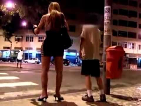 Rede Globo Mostra Homossexual espancando um homem!!!veja AGORA!