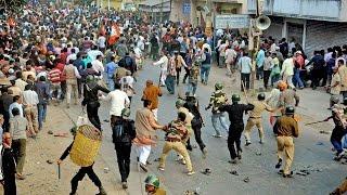 Malda violence : Muslims Mob attacks police station, sets ablaze BSF vehicle