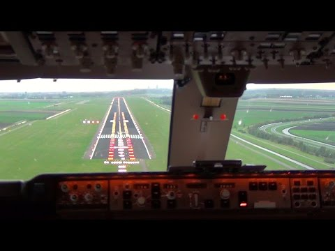 Cockpit view Boeing 747 400F Landing Amsterdam Schiphol