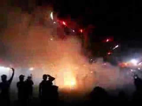 TRAGEDI Kembang api, pada penyambutan tahun baru 2014 di INDONESIA ( Amplas Medan, KM )
