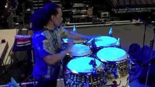 Paoli Mejias Sound Check de congas, Carlos Santana concert