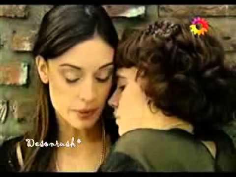 PRIMICIASYA.COM Besos homosexuales Celeste Cid y Martina Guzmán en Para vestir santos