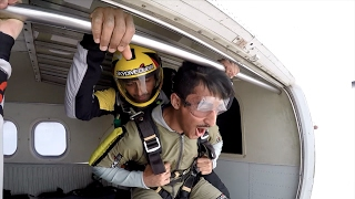 أخطر تحدي سويناه نطينا من طياره | باركور داخل مطار دبي !! فلوق#29