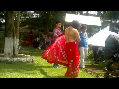 Bhojpuri Actor Pawan Singh & Beautiful Monika Batra Sexy Song Shooting