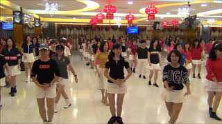 KISS ME KISS ME ( Sept 2018 ) Line Dance by Loke Saw Hwa